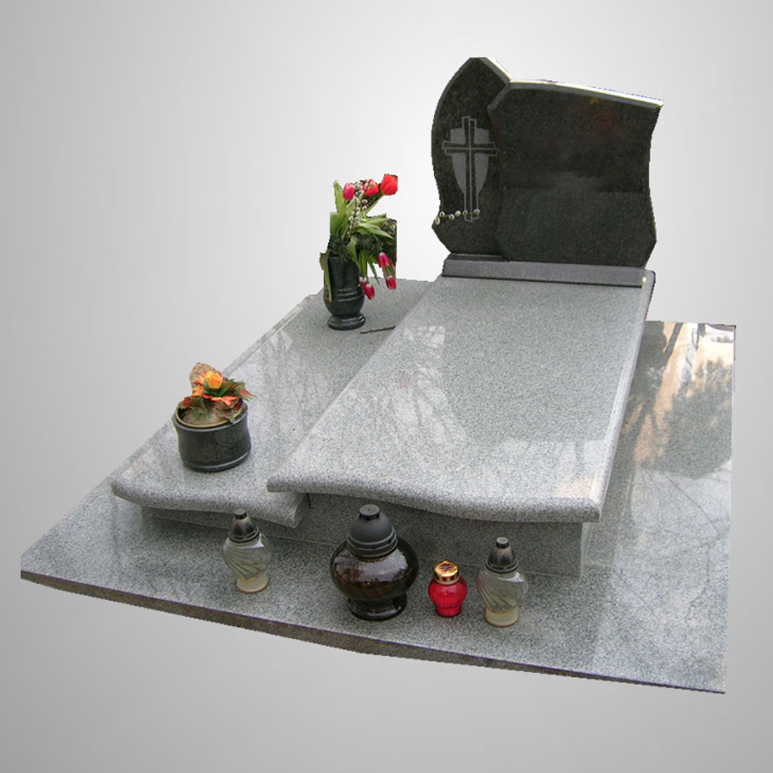 Modern Customized Tombstones and Monuments